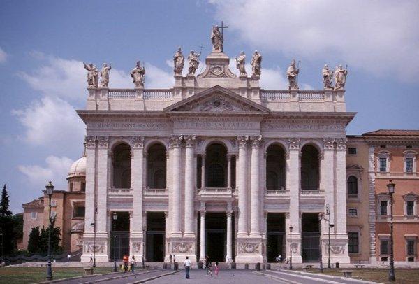 Resultado de imagen de La dedicación de la Basílica de Letrán, fiesta Común de la dedicación de una iglesia